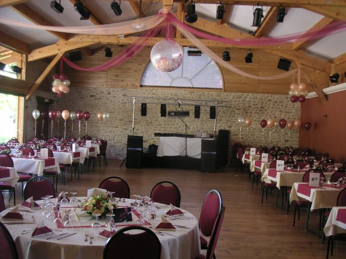 Anniversaire bapt me valsoyo - Disposition table mariage ...